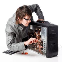 Reparació d'ordinadors a domicili i reparació electrònica o recuperació de dades al taller